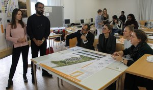 Project consultations: IMLA students discuss their projects with the external professionals